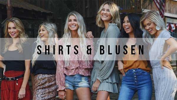 Shirts und Blusen