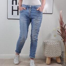 Karostar Boyfriend Jeans- gezackte Knopfleiste