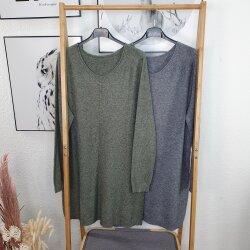 Kurzes Viskose Strick Kleid – langer Pulli