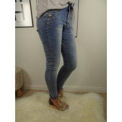 Jewelly Boyfriend Stretch Jeans offene Knopfleiste Strass Steinchen