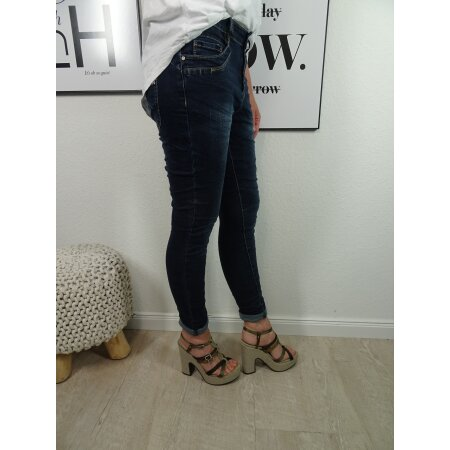 Jewelly Stretch Jeans| im Baggy Boyfriend Schnitt| Damen Hose mit dekorativer Knopfleiste| Perfekter Sitz dark denim XS