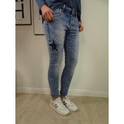Jewelly Damen Stretch Jeans Boyfriend Cut mit offener Knopfleiste und Sternen