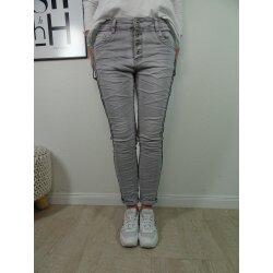 Jewelly Stretch Jeans| im Baggy Boyfriend Schnitt| Damen Hose mit Knopfleiste | colored denim