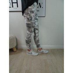 Lässige Camouflage Jogg Pants- Schlupfhose im Tarnmuster
