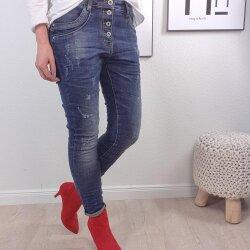 Boyfriend Jeans mit sichtbarer Knopfleiste
